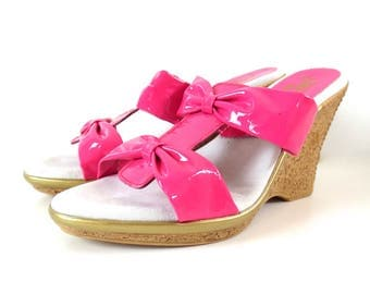 Vintage California Magdesians Hot Pink Bow Wedges // Size 41