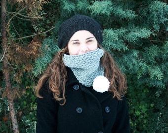 Aloe - Bulky Ski Neck Warmer - Cowl with Pom Pom - Easy Crochet Cowl Pattern - Crochet Neckwarmer Pattern - Spider Stitch Pattern