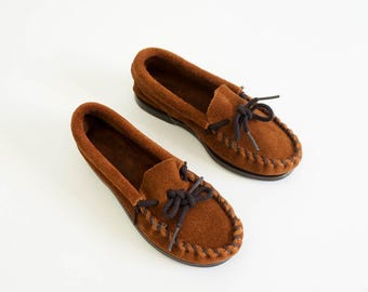 "Vintage 1980s Childs Size 10 Suede Minnetonka Moccasins NOS / 7"" Insole / Unisex, Rubber Soles"