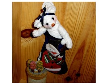 collectable artist teddy bear,Noel 5inch, dressed as shown in felt stocking, jointed, glass eyes,