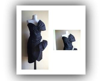 Vintage 80s Nadine Party dress, vintage dress, avant guarde, strapless, dramatic