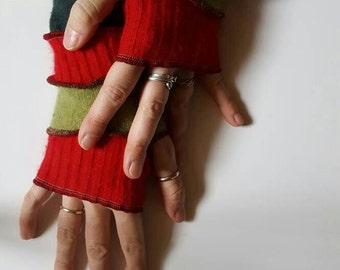 Armwarmers in Christmas Red and Green Fingerless Gloves Mitts