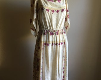 vintage. Early 50s Rare Cream Floral Silk Dress