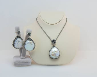 Baroque Pearl Jewelry Set, Weddings Jewelery Set, White Pearl Earrings and Necklace Set ,Swarovski Stone, Sterling Silver Set