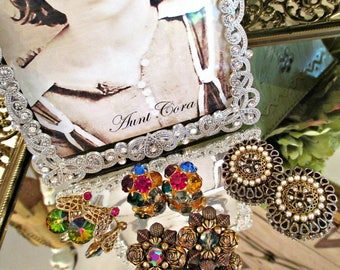 SeT of FouR GoRGeouS ViNTaGe CLiP ON EaRRiNGS!  1950's
