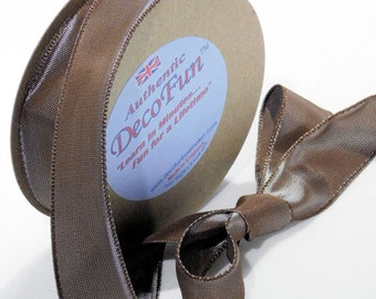 Cocoa Mist Ribbon, Woven Edge Taffeta Vintage Silk like Nature's Own brand made in England 1 inch ecofriendly for gift wrap, party, floral