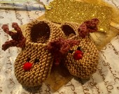 Reindeer baby holiday gift set - knitted brown baby shoes/ booties, matching gift bag and snowflake gift card - bestseller