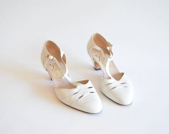 Vintage FERRAGAMO maryjane shoes / 8.5