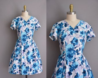 vintage 1950s dress. 50s polished cotton vintage dress. 1950s rose print dress