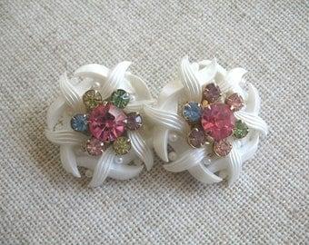 Vintage Plastic & Rhinestone Flower Earrings ~ White w/ Pastel Rhonestones ~ Clip On