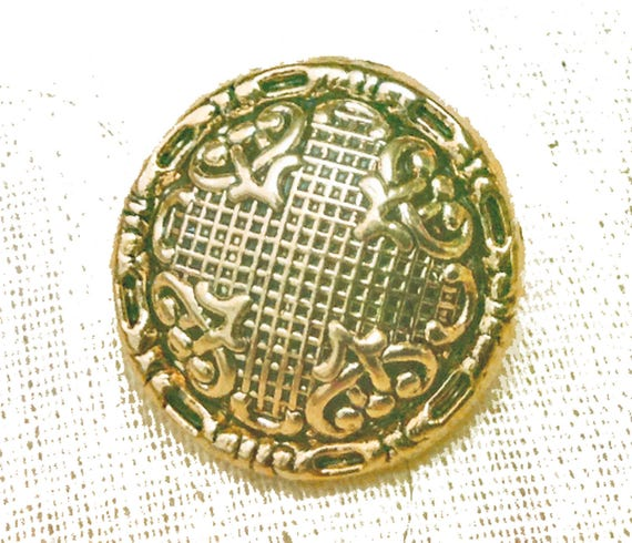 Victorian style antiqued gold shank buttons metalized for Buttons with shanks for jewelry