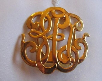 Vintage Gold Tone Scarf Clip with Faux Initial Pattern