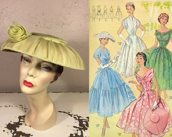 I'll Be Ready For the Picnic - Vintage 1950s Apple Lime Green Chiffon Clam Shell Wide Brim Hat