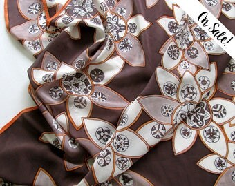 Hand painted crepe de chine silk scarf - Orange blossoms in chocolate - ***Item on sale*** Previous price : 164 EUR