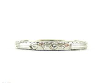 Art Deco Engraved Wedding Ring, Narrow Floral Pattern Ladies Wedding Band by Belais. 18k, Size L.5 / 6.