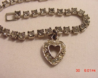 Vintage Rhinestone Heart Bracelet   16 - 933