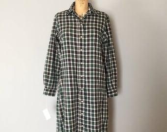 30% OFF WINTER SALE... L.L.Bean plaid cotton dress | 1980s oversized shirtdress