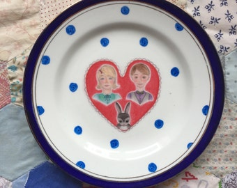 Little Family with Spots Illustrated Vintage Plate