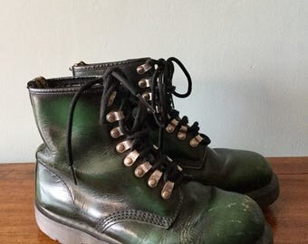 Fantastic Rare Green Dr Marten made in England Lace up boots mens 9