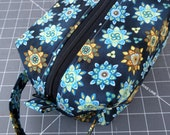 Sock knitting, project bag, boxy pouch, blue, lined,