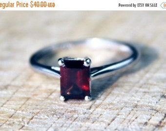 SALE10 Sterling Silver Garnet Solitaire Ring Wedding Engagement Baguette Gemstone FREE SHIPPING Size O / 7.25