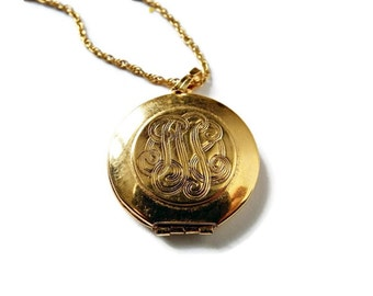 Vintage D'Orlan Golden Locket Pendant and Gold Tone Chain / Valentine Locket / Mother's Day, New Mother Gift