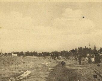 Unused Vintage Black and White Postcard Huron Beach SOUTHAMPTON Ontario – Fun Day at the Beach circa 1910