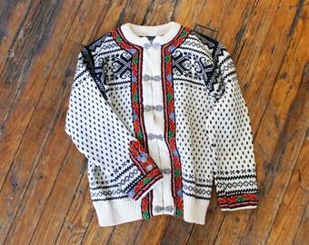 Dale of Norway Sweater XS/S • Wool Cardigan Sweater • Embroidered Cardigan • Norwegian Cardigan • 70s Sweater • Snowflake Sweater | T534