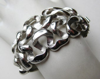 Vintage 50s 60s Crown Trifari Silver Modernist Hinged Bangle Bracelet