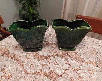 McCoy Pottery pair green tulip shaped vases planters Garden Club line 6 inches tall Crooksville Ohio ceramic