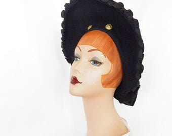 Vintage 1940s hat, navy blue tilt clamshell, military buttons