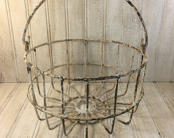Vintage Shabby Chic  Wire Round Caddy