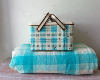 Vintage Onkaparinga Wool Check Blanket in Blue and Cream