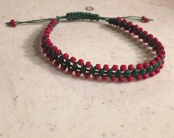 Green Bracelet - Red Seed Beads - Macrame Jewelry - Adjustable Jewellery - Fashion - Trendy - Beaded - Waxed Linen Cord - Christmas