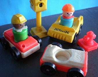Vintage 1970's Children's Toy - Fisher Price Little People