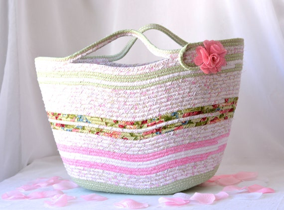 Picnic Basket, Beach Tote Bag, Shabby Chic Moses Basket, Lovely Pink Storage Organizer, Handmade Gift Basket, Moses Basket