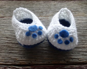 Crocheted White and Blue Baby Booties, Crocheted Baby Booties, Crocheted Cat Paw Booties