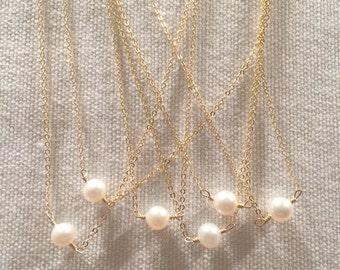 Single pearl neclace