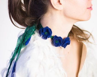 Necklace Felt Flowers, Womens Jewelry, Floral choker, silk felt necklace, poppy jewelry, something blue, wedding flowers, emerald necklace