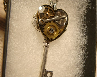 Steampunk Style Clockwork Heart  Key Pendant Necklace in Antique Silver (2381)