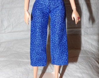 Fashion Doll Coordinates - Capri pants in royal blue with tiny flowers - es424