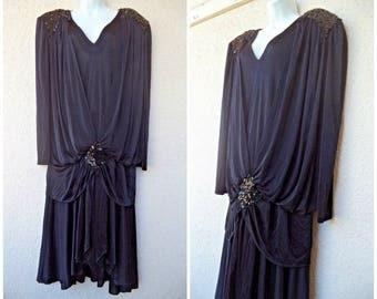 1980s COCKTAIL DRESS. Flapper Dress. Ruched Dress. Cocoon Fit Dress. Drop Waist Dress. Beaded Accents. Art Deco Style Dress. Black Dres. XLs