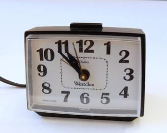 Vintage Westclox Dialite alarm clock electric with backlight and snooze black and white WORKS