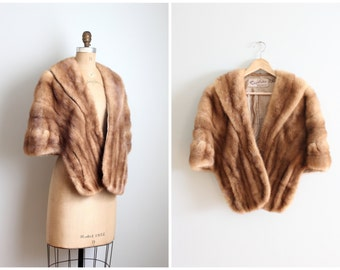 vintage 1950s caramel mink stole - champagne silk satin lining / 1950s mink capelet / vintage ruffled fur stole - winter fur wrap