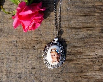 Whiting and Davis Limoges Cameo Necklace