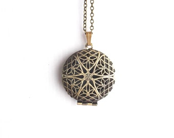 The 'Paige' Locket in Antique Brass 0217-0083