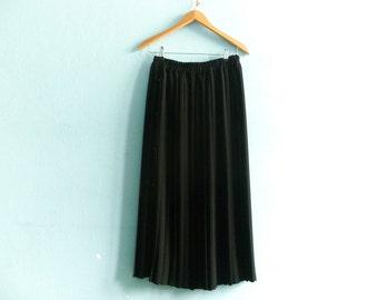 Vintage Black Pleated Skirt / Classic Chic Elegant / High Waist / Long / medium