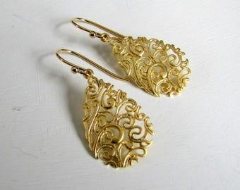 Filigree Teardrop Earrings Gold Earrings Wedding Earrings Bridal Earrings Wedding Earrings Gold Filigree Earrings Bridesmaid's Gift Brides