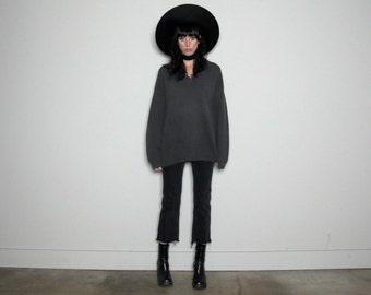 20 DOLLAR SALE Grey Henley Sweater Boyfriend Style Cotton 90s GRUNGE Vintage Size L/Xl