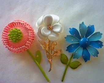 Lot of 3 vintage large enamel flower with stems pins brooches pink white blue flowers